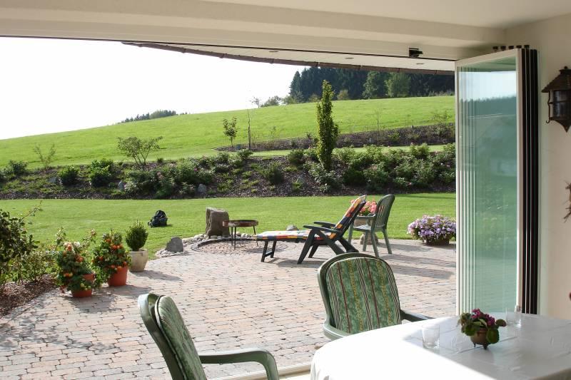 fermeture de terrasses et balcons salon de provence rossi. Black Bedroom Furniture Sets. Home Design Ideas